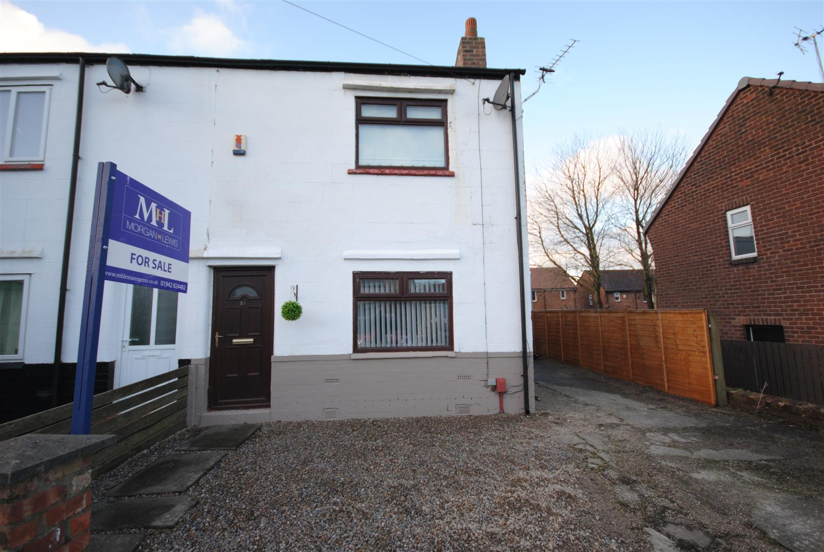 2 Bedrooms Semi Detached House for sale in Holborn Avenue, Wigan